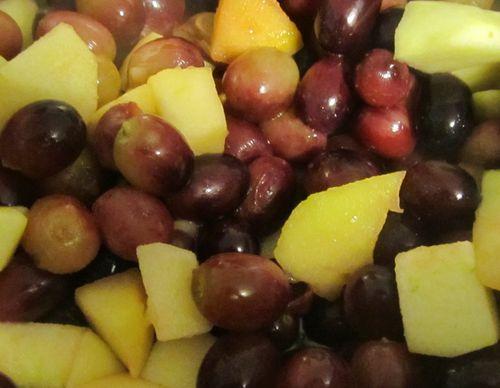 Grapes apples 042113